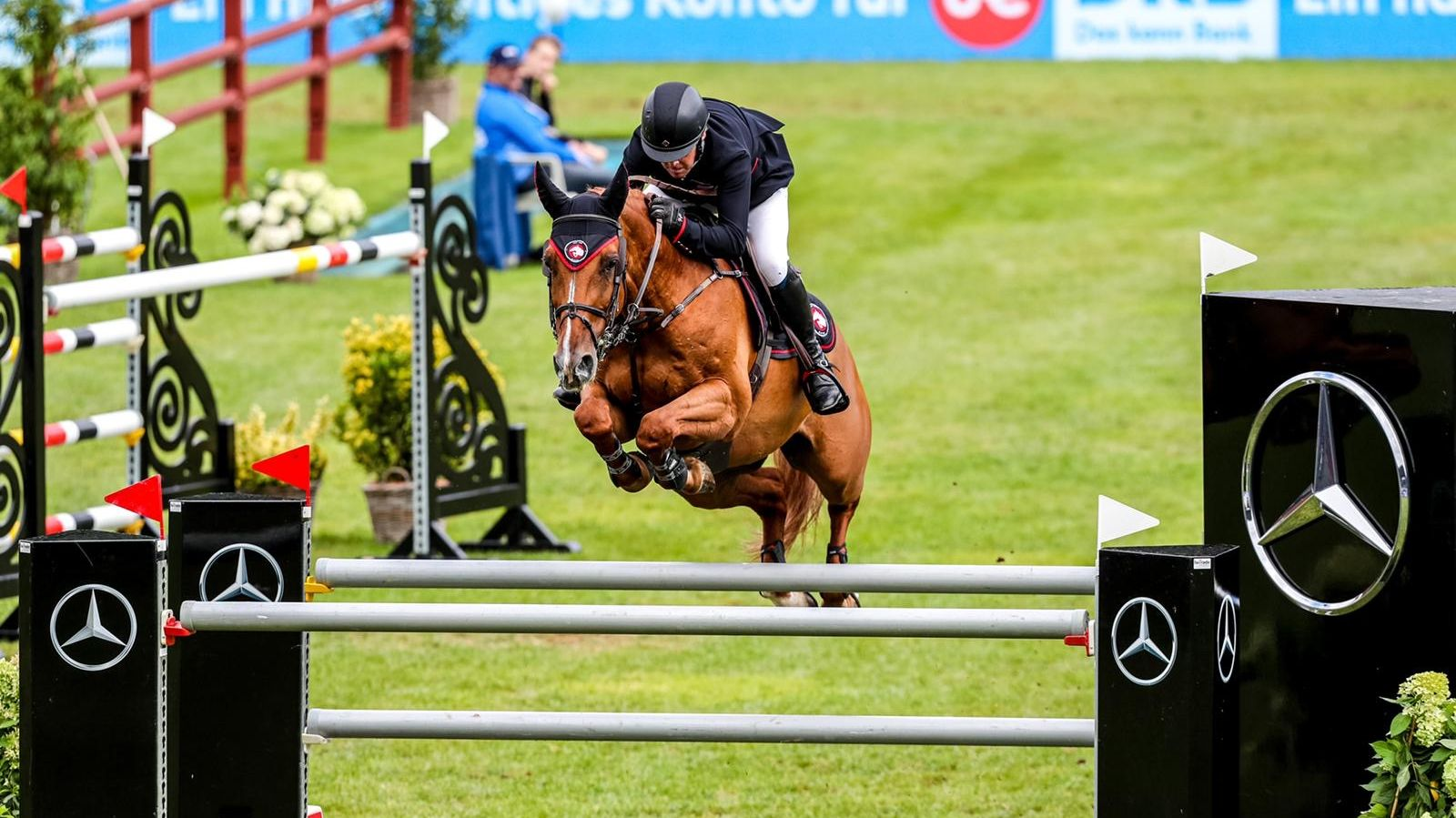 A 5* Win in Hamburg & Success at Chepstow